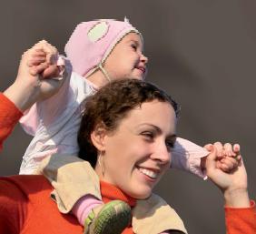 Konpondu: mujer con niño